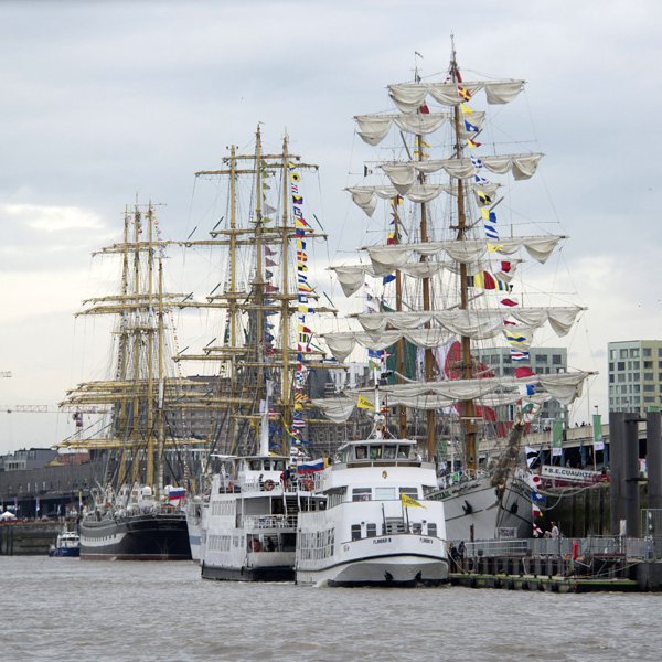 In July 2016 Push To Talk organised the start of the Tall Ships' Races. For four days more than 500,000 visitors admired these gorgeous ships. The company events on-board the ships, the sporting and cultural events for the crew members, the crew parade, the live concerts and the fireworks above the Scheldt were also big hits. Despite the increased terrorism threat and the extra safety measures, the visitors enjoyed an unforgettable celebration.